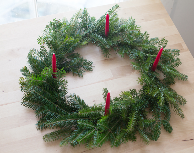 make a holiday wreath for a festive centerpiece
