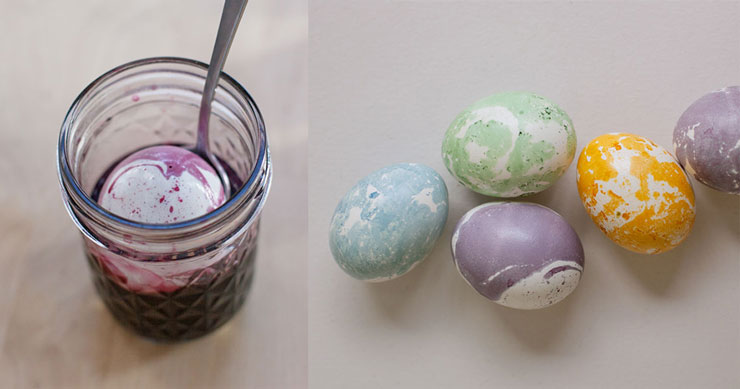 creating-marbled-eggs