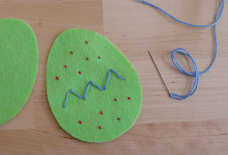 felt-egg-stitches